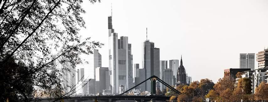 kyline in Frankfurt mit Wolkenkratzern